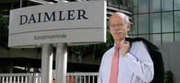 Stühlerücken bei Daimler: Daimler-Chef Zetsche bekommt nur Vertrag für 3 Jahre | Nachricht | finanzen.net