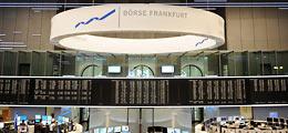 Geldpolitik und Quartalzahlen lösen Rally aus