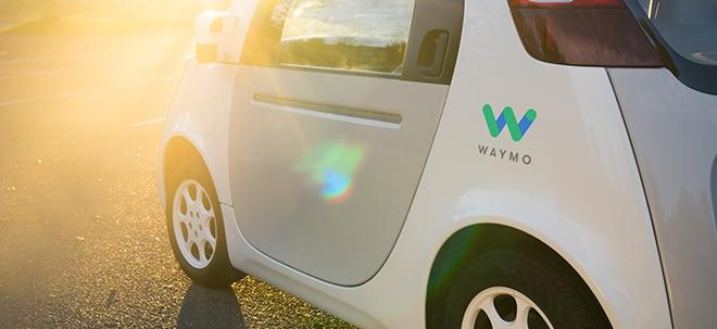 Selbstfahrende Autos: Google-Schwester Waymo öffnet Robotaxi-Dienst ohne Sicherheitsfahrer für mehr Nutzer - Alphabet-Aktie fester | Nachricht | finanzen.net