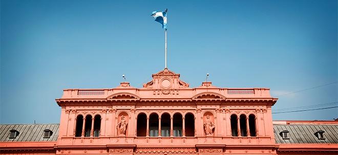 Schlangen vor Banken: Krise in Argentinien spitzt sich zu | Nachricht | finanzen.net