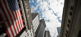 Aktien New York Schluss: Rekordhoch dank neuer Geldflut aus Japan