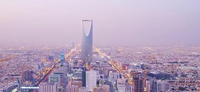 Sinkende Ölpreise: Saudi-Arabien und Arabische Emirate führen Mehrwertsteuer ein - Benzinpreise angehoben | Nachricht | finanzen.net