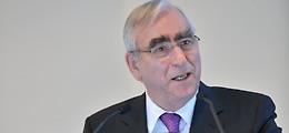 Interview: Theo Waigel: Euro muss erzogen werden   Nachricht   finanzen.net