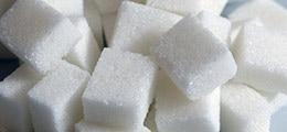 : «Запасов осталось на две недели»: Поставки сахара в магазины практически остановились после второй заморозки цен
