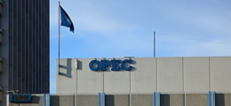 Раздор в ОПЕК уронил цены на нефть