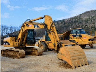 : Caterpillar posts dynamite earnings but warns of 'geopolitical and market uncertainty'