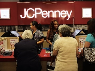: J.C. Penney tumbles as its CEO heads to Lowe's (JCP, LOW)