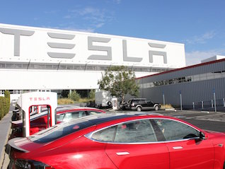 : Tesla loses a veteran hardware engineer during a critical time for its Autopilot program (TSLA)