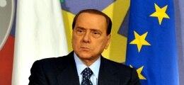 Regierung in der Krise: Berlusconi sorgt mit erneuter Kandidatur für Wirbel | Nachricht | finanzen.net