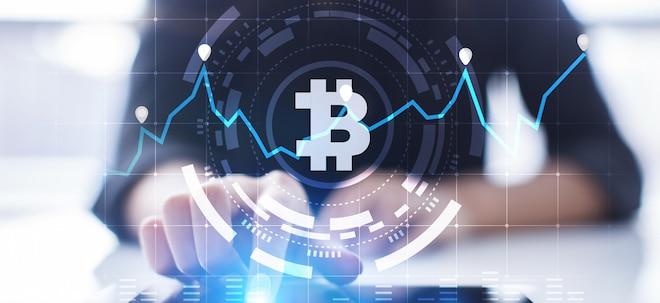 Kursprognosen im Blick: Prognosen zum Bitcoin-Jahr 2020: Welche Experten Recht hatten und was in diesem Jahr noch passieren kann | Nachricht | finanzen.net