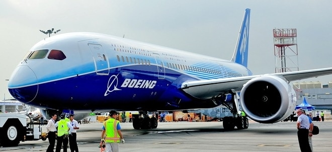Triebwerksausfall: Boeing-Triebwerksschaden lag wahrscheinlich an Materialermüdung - Boeing-Aktie leichter | Nachricht | finanzen.net