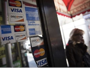 : More Americans are struggling to pay their credit cards, and what's holding them back is only getting worse