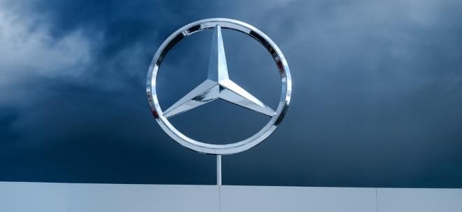 Erwartungen übertroffen: Daimler-Aktie freundlich: Daimler verdient trotz Gewinneinbruch mehr als erwartet