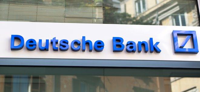 Schlechte Analystenstimme: Deutsche-Bank-Aktie schwach: Sinkende Konsensschätzungen erwartet | Nachricht | finanzen.net