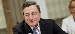 CENTRALE BANK: De ECB blijft tot eind dit jaar maandelijks 60 miljard euro aan obligaties opkopen