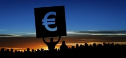 BIP Eurozone fällt: Eurozone: Wirtschaft rutscht in Rezession | Nachricht | finanzen.net