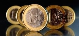 Schwache US-Daten: Euro legt deutlich zu | Nachricht | finanzen.net
