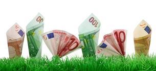 Konjunktur im Fokus: Euro steigt - bessere Stimmung in der deutschen Industrie beflügelt