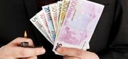 Schwarzbuch: Steuergeldverschwendung - Wo 2011 am spektakulärsten Geld verbrannt wurde | Nachricht | finanzen.net