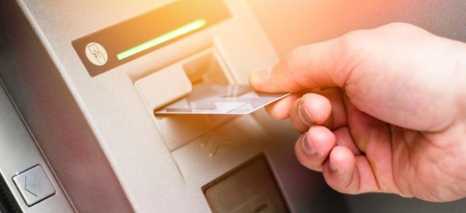 Mindestbetrag: Immer mehr Banken greifen durch: Geld abheben bald nicht mehr unter 50 Euro | Nachricht | finanzen.net
