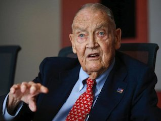 : Warren Buffett says Vanguard founder Jack Bogle converted 'a lot of people to the right religion of investing'