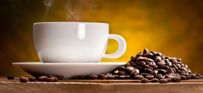 Studie: Verbraucher greifen für Kaffee und Tee tief in die Tasche