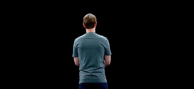 Turbulente Hauptversammlung: Facebook-Aktionäre meutern gegen Zuckerberg: Wie lange kann sich der Facebook-Chef noch halten? | Nachricht | finanzen.net