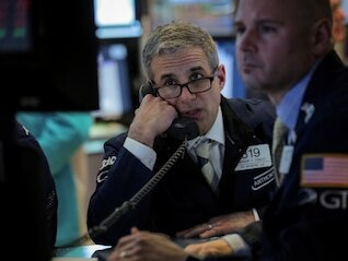 : Wall Street bonuses plunged 17% in 2018