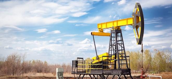 Starker Dollar: Warum der Ölpreis fällt | Nachricht | finanzen.net