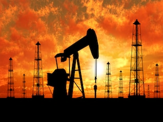 : U.S. oil drilling rig count holds steady this week -Baker Hughes (GE)