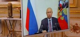 Путин поручил начать вакцинацию от коронавируса