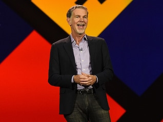 : Netflix surges above $400 for the first time after a slew of Wall Street bullishness (NFLX)