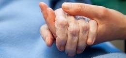 Der richtige Versicherer: Großer Pflegeversicherungs-Test: Wenn Pflege, dann Bahr | Nachricht | finanzen.net