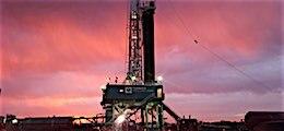: Нефть выстрелила на сокращении бурения в США