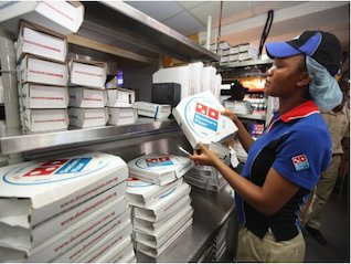 : Domino's Pizza sinks on the latest sign the food-delivery wars are hurting sales (DPZ)
