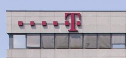 Telekom-Aktie am DAX-Ende: Telekom schreibt 2012 Milliardenverlust | Nachricht | finanzen.net