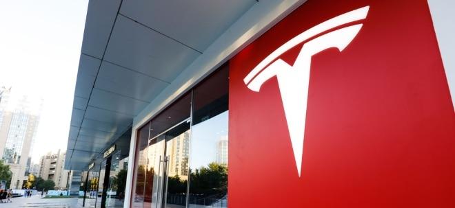Kurssprung: Lob von UBS-Analyst: Tesla-Aktie erklimmt neue Höchststände - Änderungsanträge für Fabrikbau werden öffentlich ausgelegt | Nachricht | finanzen.net