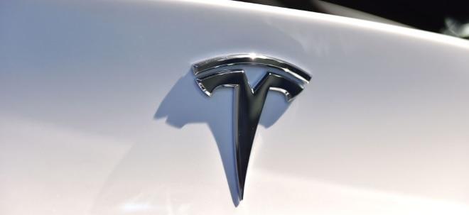Höhenflug hält an: Tesla-Aktie im Kursrausch: Tesla knackt 100-Milliarden-Dollar-Marke