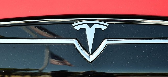 Zwischenfall auf Automesse: Tesla in China unter Druck: Entschuldigung nach Protest auf Automesse - Tesla-Aktie fester | Nachricht | finanzen.net