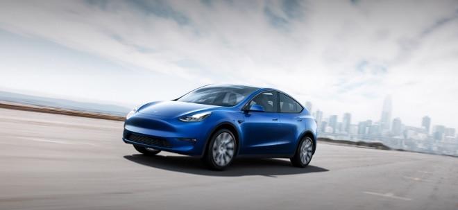 Marktstart im Herbst 2020: Tesla präsentiert seinen neuen SUV auf Basis des Model 3: So sieht der Model Y aus - Aktie verliert | Nachricht | finanzen.net