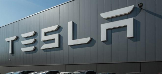 Deadline läuft aus: Alles für die Kunden: Tesla kauft Truck-Unternehmen | Nachricht | finanzen.net