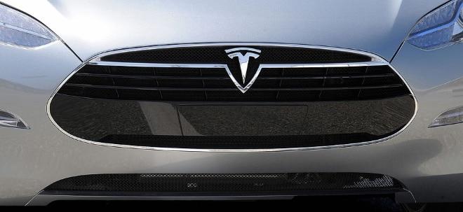 Eingabe-Bildschirm: Tesla-Aktie letztlich fester: Behörde prüft Fehlfunktion von Bildschirm - Massenfertigung von Batterien mit neuer Technologie geplant | Nachricht | finanzen.net