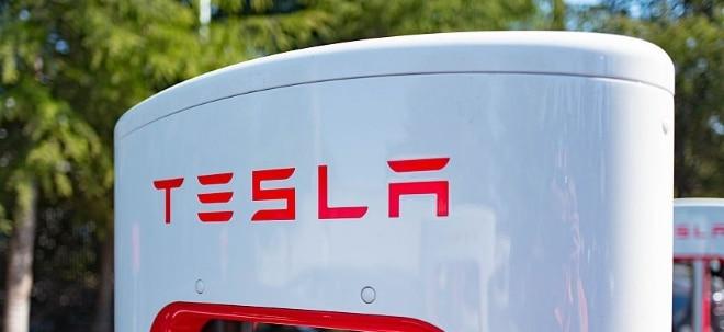 Titel unter Druck: 5 Minustage in Folge: Warum die Tesla-Aktie eine rabenschwarze Handelswoche hinter sich hat | Nachricht | finanzen.net
