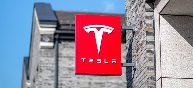 Gewinn unter Erwartungen: Tesla-Aktie volatil: Schwarze Zahlen überzeugen nicht - Finanzvorstand geht | Nachricht | finanzen.net