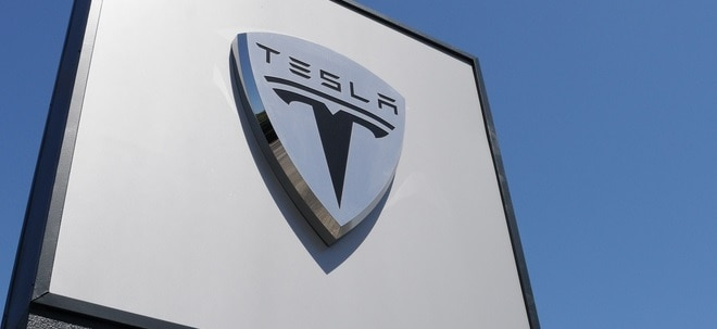 Im Aufwind: Tesla-Aktie erneut im Rally-Modus - 1.400 Dollar werden erstmals kurz übersprungen | Nachricht | finanzen.net