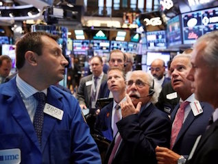 : There are 2 powerful forces competing for supremacy in the stock market
