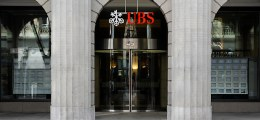 Vorwürfe zurückgewiesen: Weber: UBS hilft nicht bei Steuerhinterziehung | Nachricht | finanzen.net