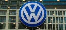 Gürtel enger schnallen: VW-Finanzvorstand kündigt Einsparungen an | Nachricht | finanzen.net
