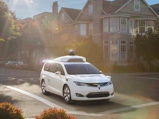 : Hertz and Avis are jumping after news of big tech partnerships (CAR, HTZ, AAPL, GOOGL)