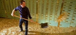 VERZEKERAARS: Verzekeraars verwachten dat hun zak met geld nog groter wordt